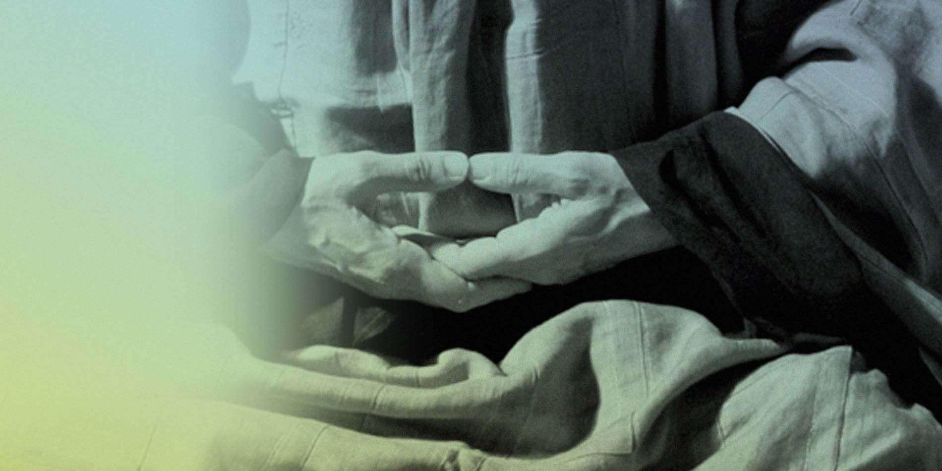 La posición de las manos antes de zazen
